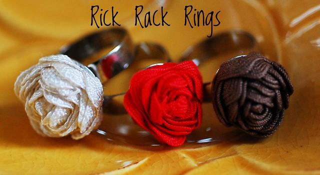 anelli fatti a mano con passamaneria, rick rack rings