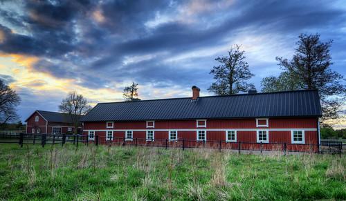 trees windows sunset grass night clouds fence landscape countryside cloudy sweden stockholm sverige pastoral hdr stables stallet lejondal brokommun lejondalsgård sivbirgersson
