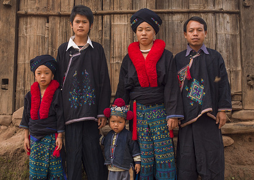 family red people hat fashion horizontal asian togetherness clothing asia southeastasia day teenager multicolored laos groupofpeople yao developingcountries traditionalculture headwear traditionalclothing traveldestinations colorimage muangsing lookingatcamera colourimage indigenousculture frenchindochina yaotribe louangnamtha southeastasianethnicity banxayleck frenchprotectorate orientalethnicity asiantribe a1213920
