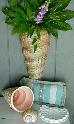 Med Wall Shell-one foxglove-sml. Pillow-5x8