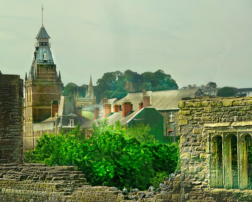 wales ruins rooftops cymru viewfromtrain newportsouthwales luckyformethetrainhadsloweddown