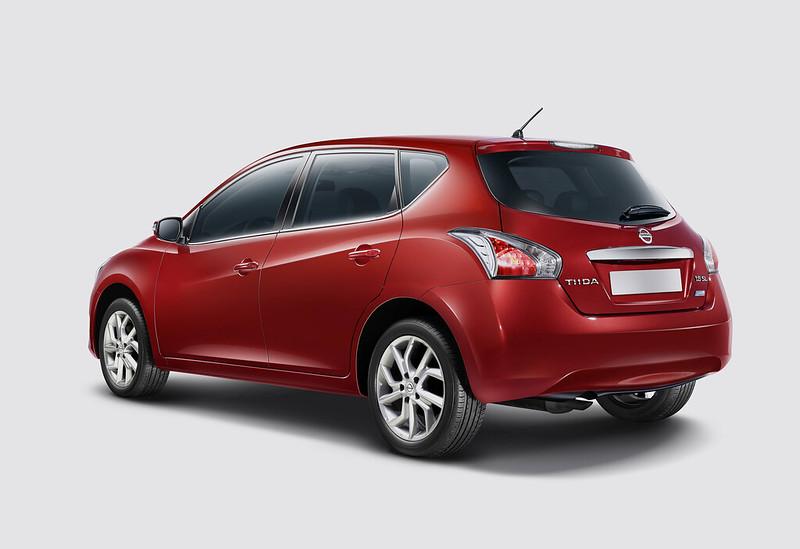 Nissan Tiida Rear angle
