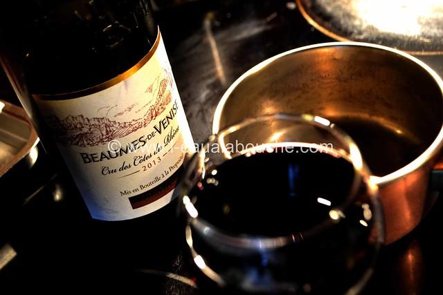Rumsteak & Miroir au Vin Rouge Avec Ecrasée de Pommes de Terre © Ana Luthi Tous droits réservés