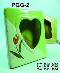 Pigura Kotak Love