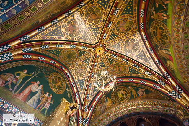 Gilded, vaulted ceiling of the men's smoking room