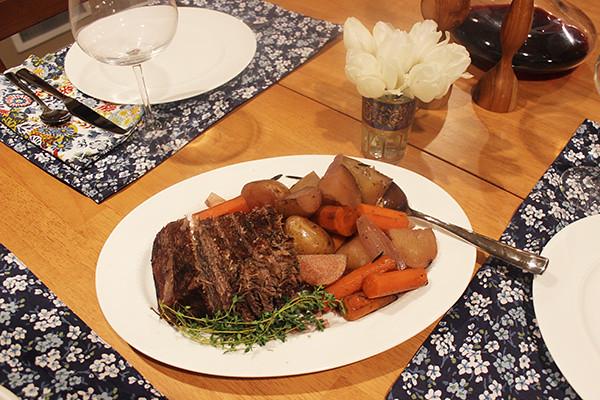 pot-roast-table