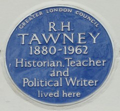 Photo of R. H. Tawney blue plaque