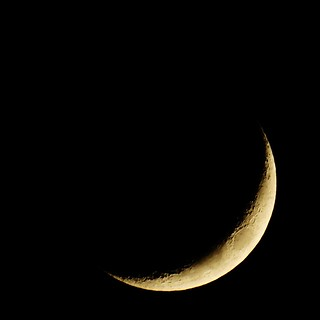 133/365: Waxing Crescent Moon 15% of Full