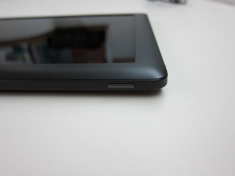Nook HD+ - Power Button On The Right