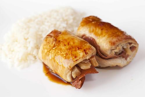 Rotllets de pollastre, pinya i bacó 1