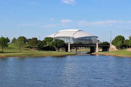 roof lake cowboys arlington dallas football texas stadium mark nfl national april league feild retractable holtz 2013