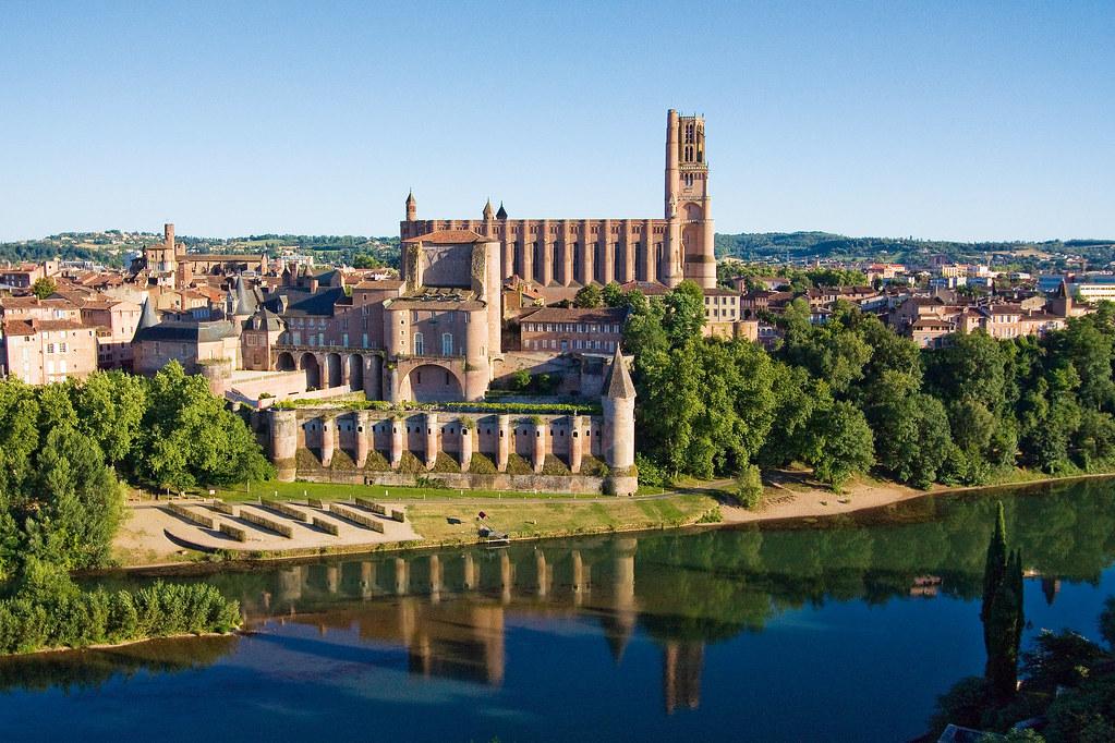 10 самых красивых городов Миди-Пиренеи