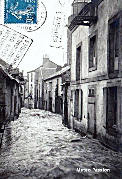 crue dans les rues de Bourbon-L'Archambault le 17 mai 1926 météopassion