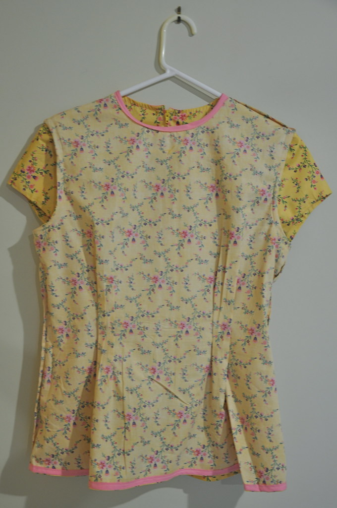 mustard yellow peplum flared flare blouse top shirt floral butterick 5890