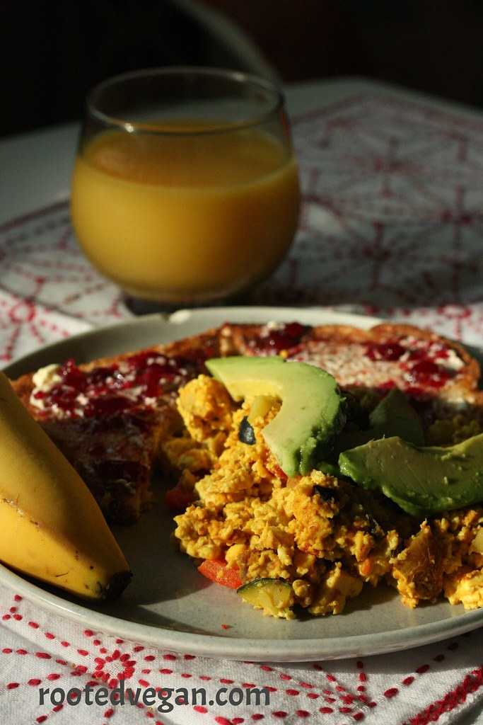Easy Scrambled Tofu by rootedvegan.com