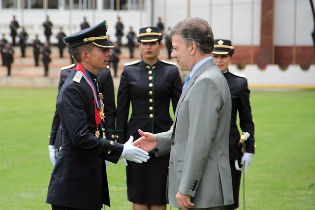 ascenso de oficiales en la policia nacional de colombia