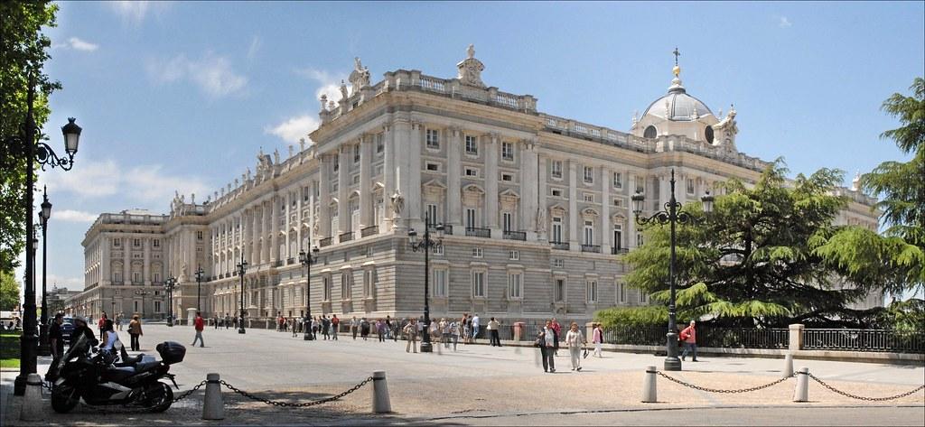 Palacio Real de Madrid y detalle de la Plaza de Oriente. Autor, Jean-Pierre Dalbera