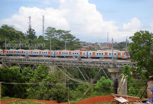 KFW Electric Rail Car on The Bridge