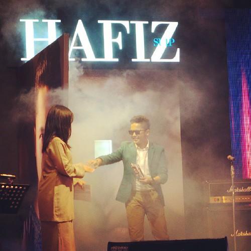#LiveUpdate : Hafiz Suip selamat melancarkan #Album #HafizSuip #LuahanHatiAnakSeni