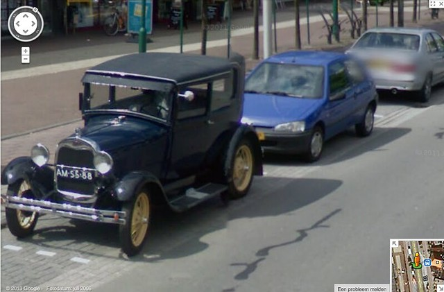 Google Streetview oldtimer with clear license plate