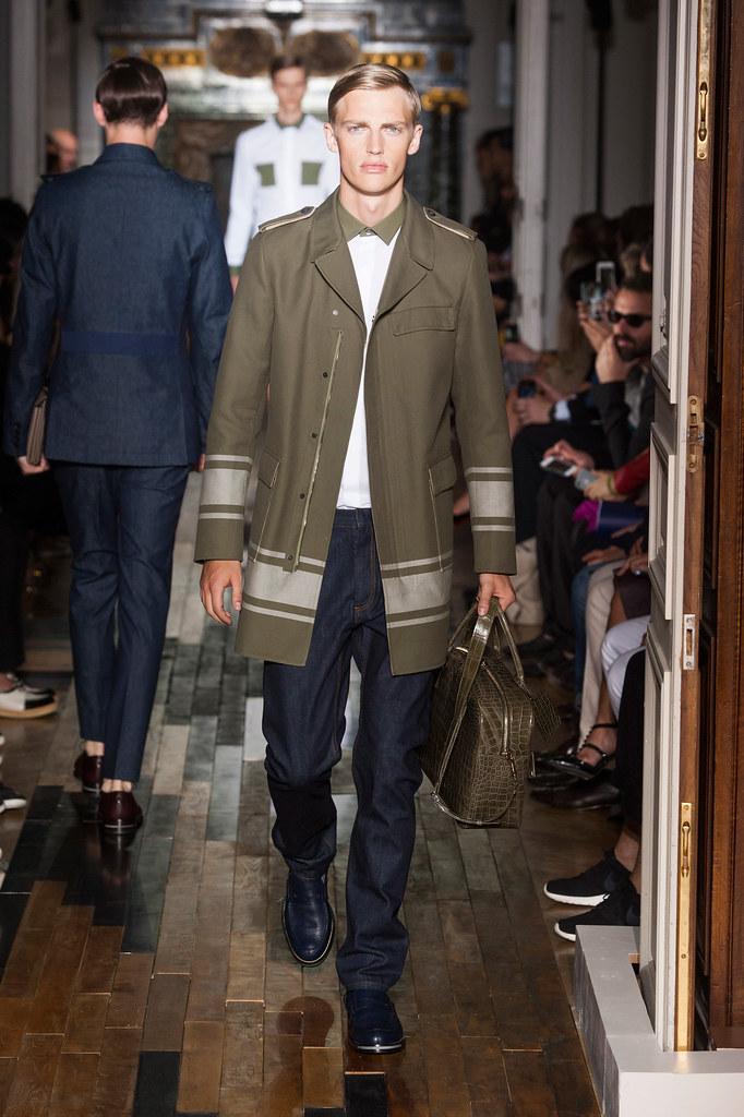 SS14 Paris Valentino007_Victor Nylander(fashionising.com)