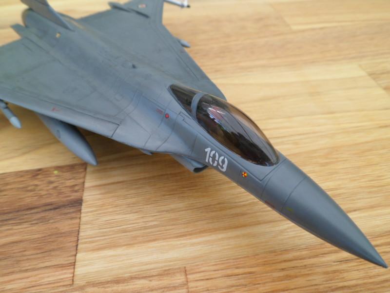 Les faucons de Mostar [General Dynamics F-16 XL Monogram] 9419319332_42561c5db3_c