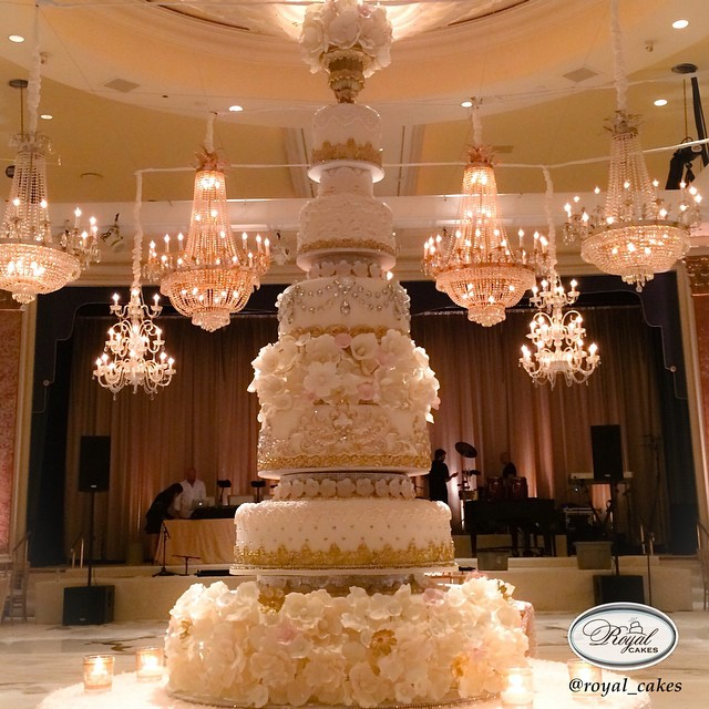 Elegant cake - Royal cake and design