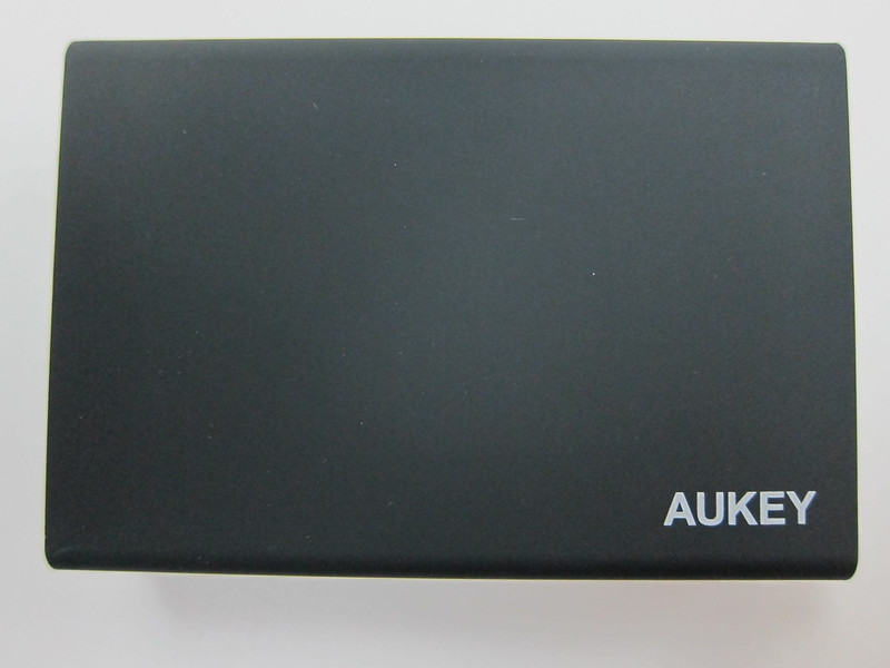 Aukey 50W 5V/10A 6-Port Wall Charger - Top