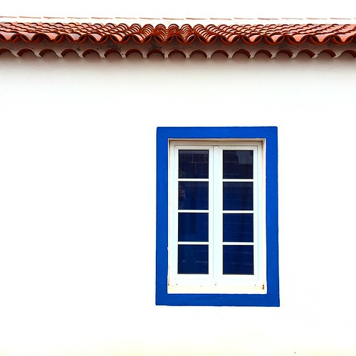 Algarve influenced windows on Santa Maria. #azores @lindbladexp