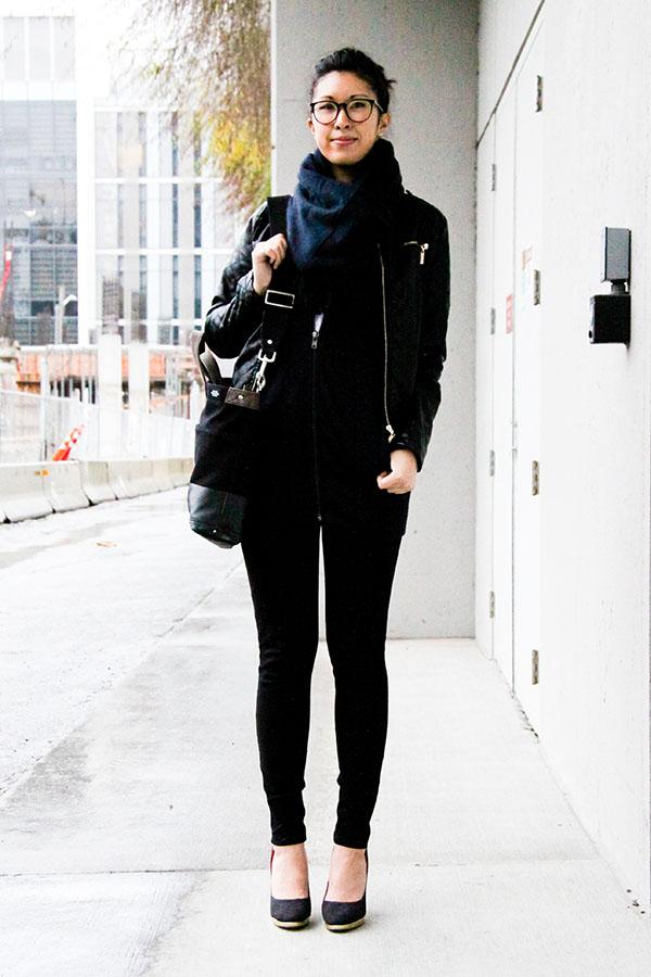 minimalist-blackandblue