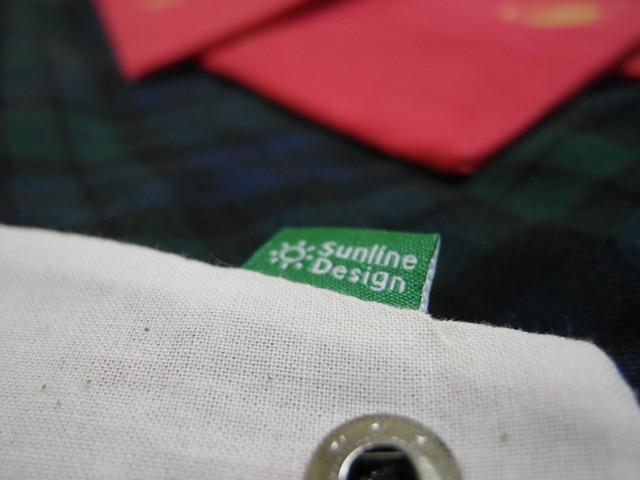 """布標其中一面:換日線的logo """"Sunline Design""""@換日線「線。作」紅包袋與書袋子"""