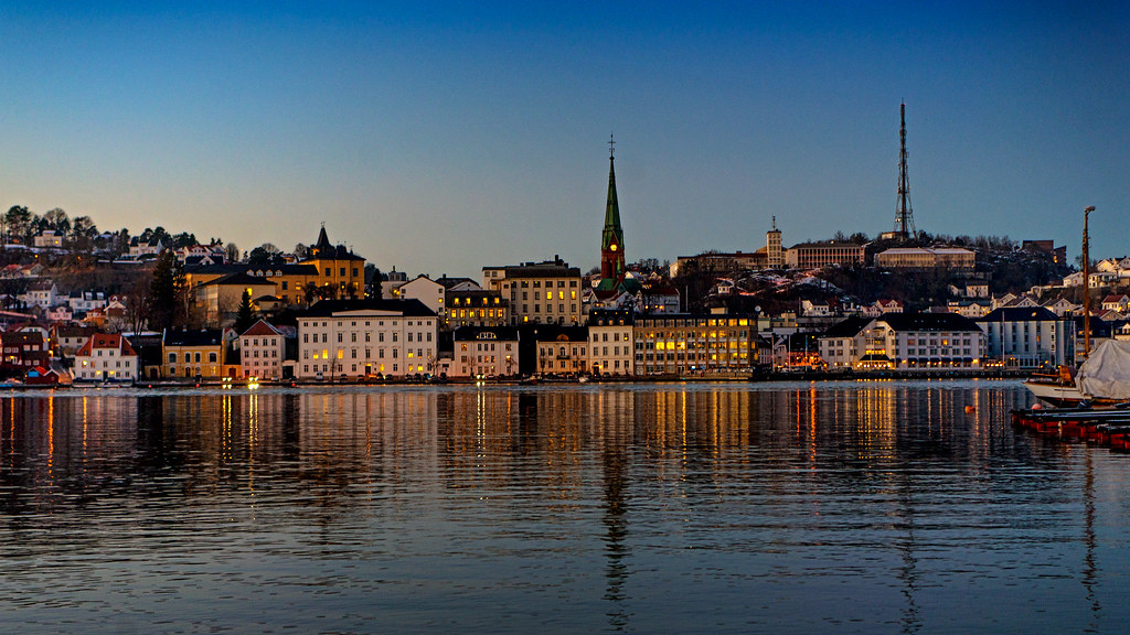 Arendal town reflection
