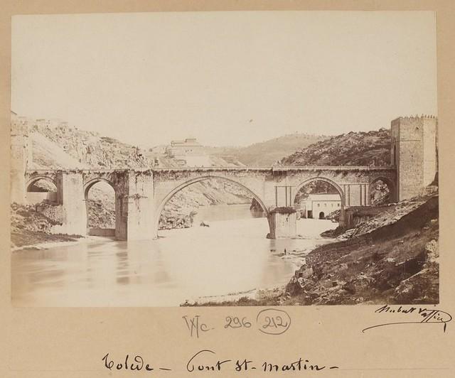 Puente de San Martín en 1889. Fotografía de Marie Hubert Vaffier © Bibliothèque Nationale de France