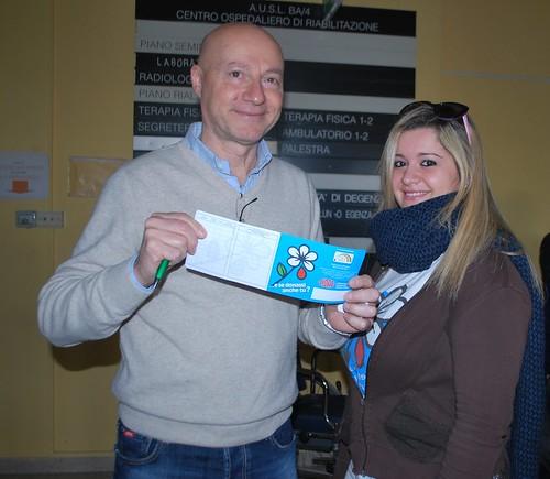 Il presidente della sezione rutiglianese FIDAS Giuseppe Giuliano e una donatrice e membro del direttivo
