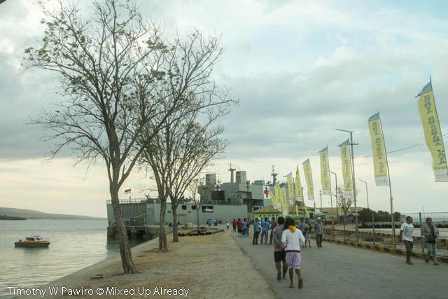 Indonesia - Sumba - 16 - Waingapu - Harbour - KRI dr Soeharso