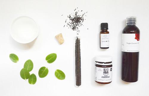 DIY Moisturizing and Tanning Oil