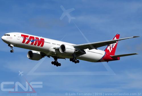 Boeing 777-300 TAM Linhas Aéreas PT-MUG