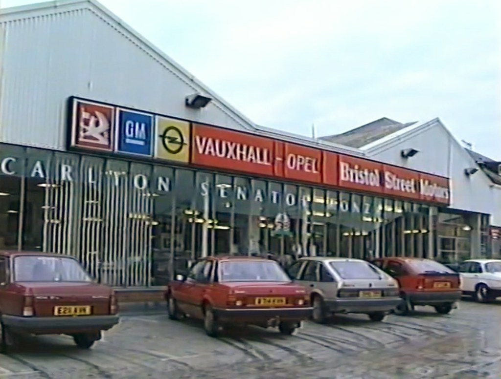 1987 bristol street motors vauxhall dealership a photo for Bristol motor mile dealerships