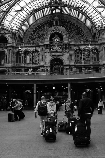 Antwerp_railway station_b/n