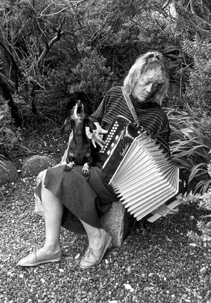 Jill Freedman, Duet, Ireland, 1988