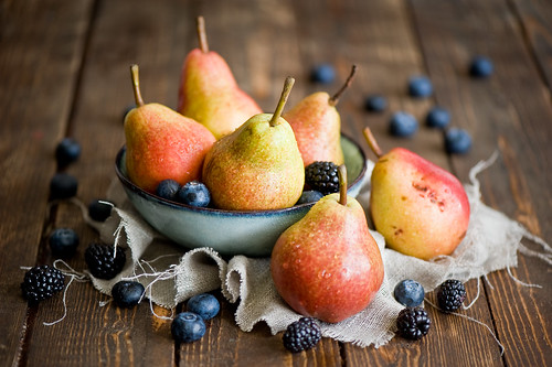 Pears and berries (365)