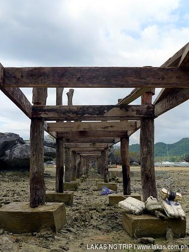 Bridge being constructed to Yaposan Beach in El Nido, Palawan