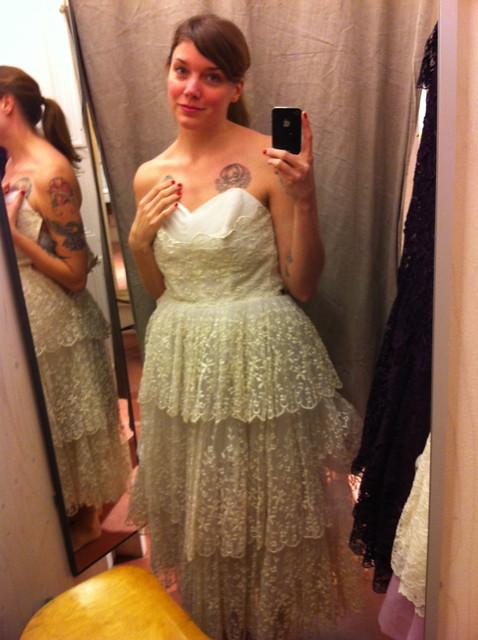 Bröllopsklänningar från Beyond retro