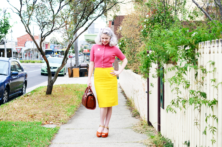vintage-yellow-pencil-skirt c