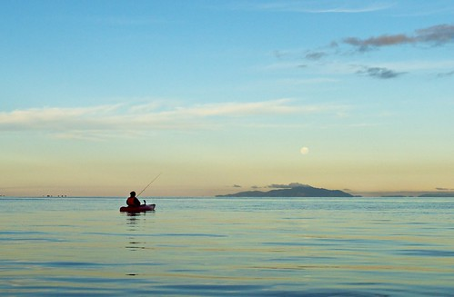 newzealand moon coromandelpeninsula haurakigulf tawharanui kayakfishing jonesbay kawaubay moehaurange