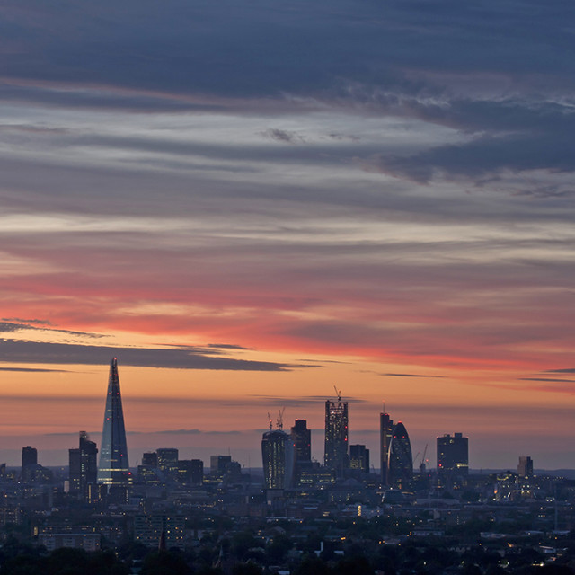 Striated Cirrus sunset over London