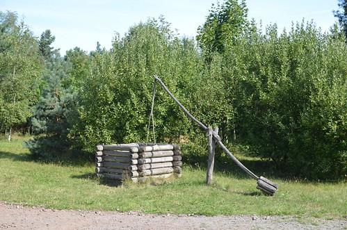 Brunnen im Steinzeitdorf Randau