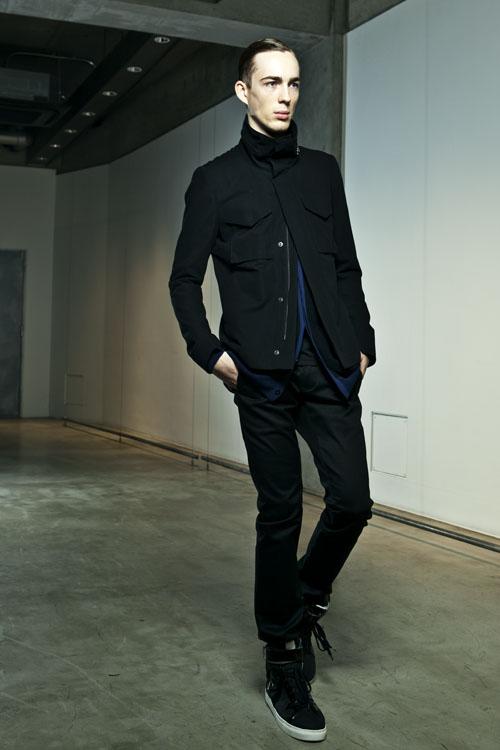 SS14 Tokyo KAZUYUKI KUMAGAI023_Milo Spijkers(Fashion Press)