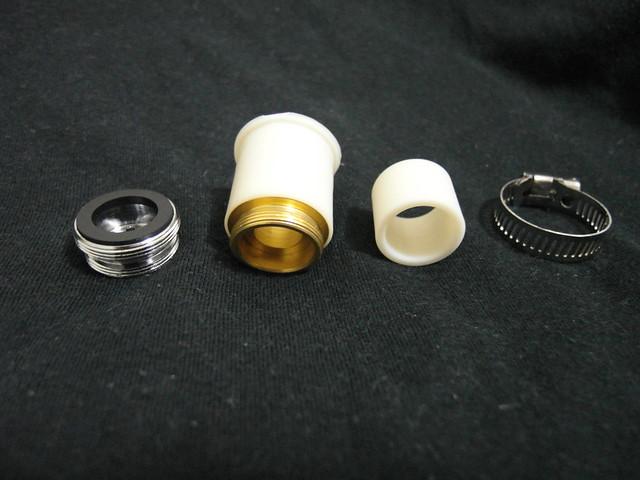 為了能適用於各種水龍頭,提供各式轉接設備@ALYA歐漾龍頭式淨水器