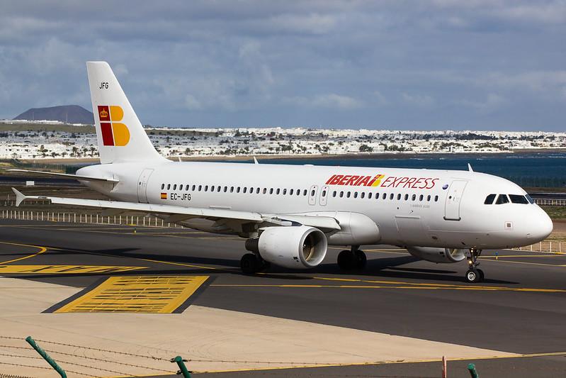 Iberia Express - A320 - EC-JFG (2)